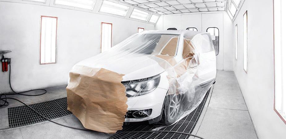 Profesionální oprava laku auta