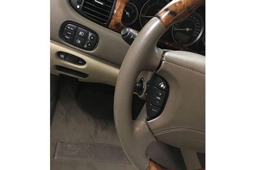 Oprava textilu v interiéru automobilu